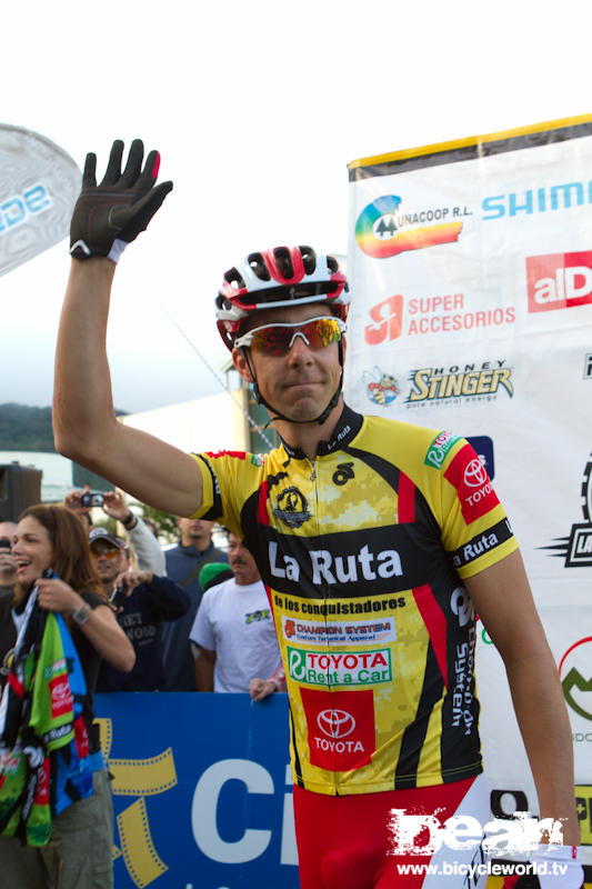Todd Wells puts on the leaders jersey before the start of La Ruta stage 3